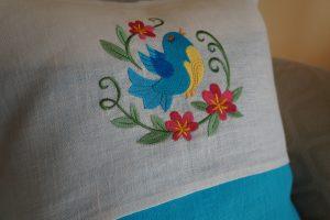 Tyyny turkoosi lintu